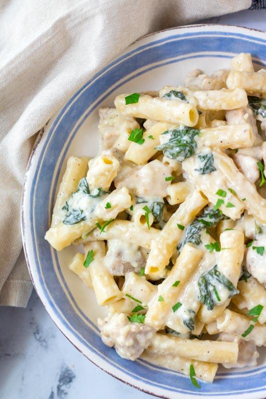 bowl of chicken alfredo