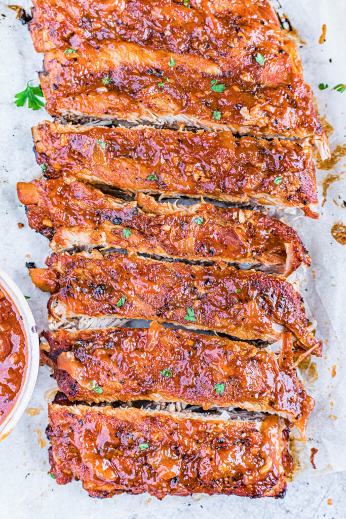 broiled ribs with sauce cut into pieces