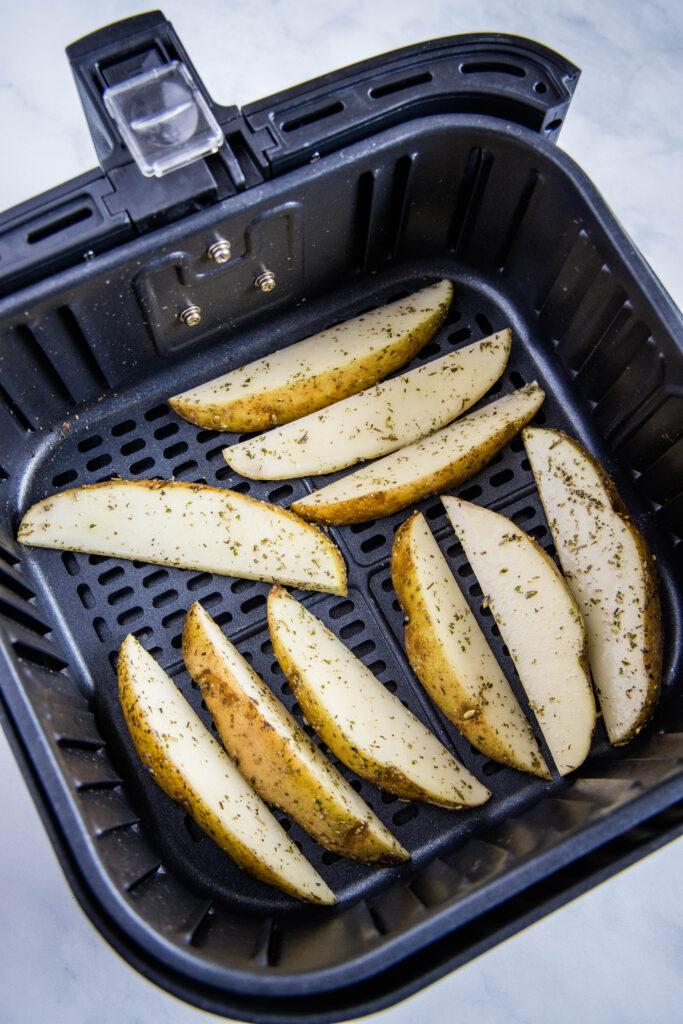 seasoned potato wedges in the air fryer