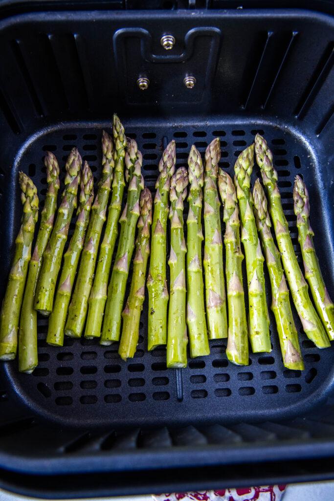 asparagus in air fryer basket