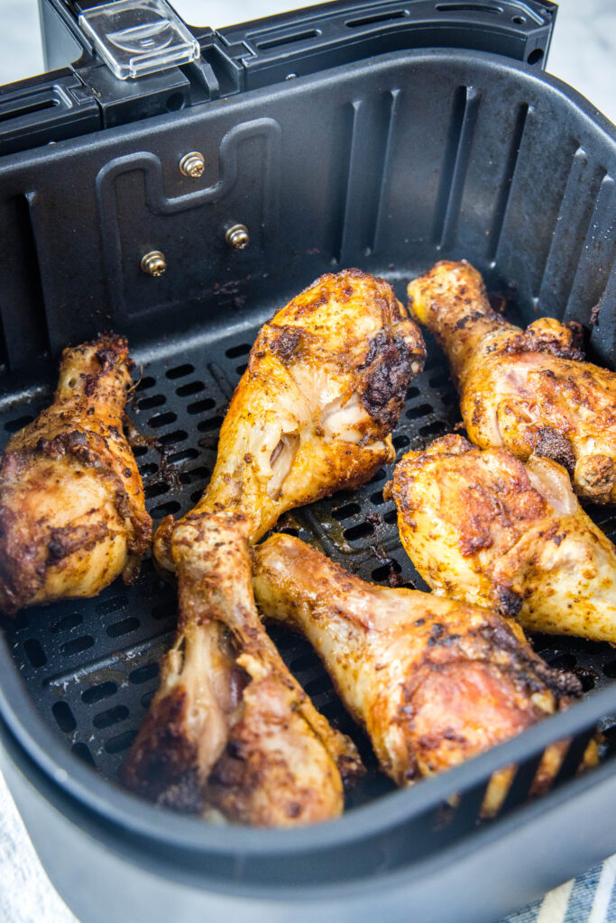 cooked chicken drumsticks in air fryer