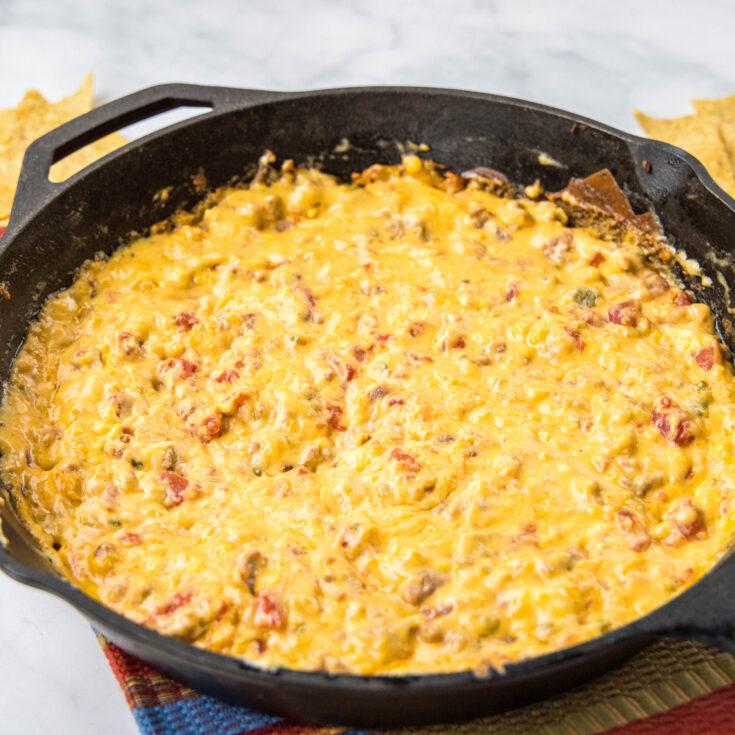 close up hot cheese dip
