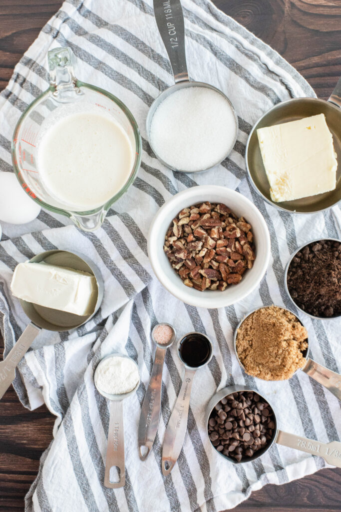 ingredients to make turtle cheesecake